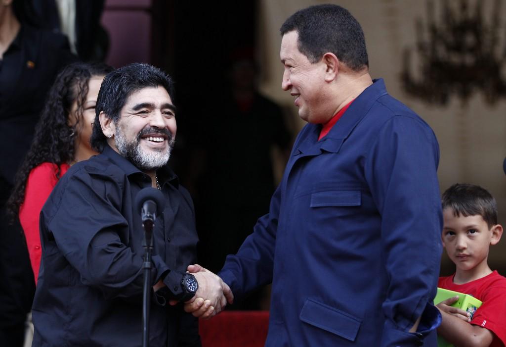 Diego Maradona y Hugo Chávez / REUTERS