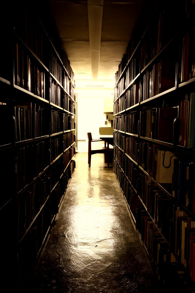 Uris Library Stacks, Flickr, eflon