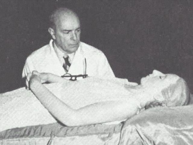 Evita Perón embalsamada