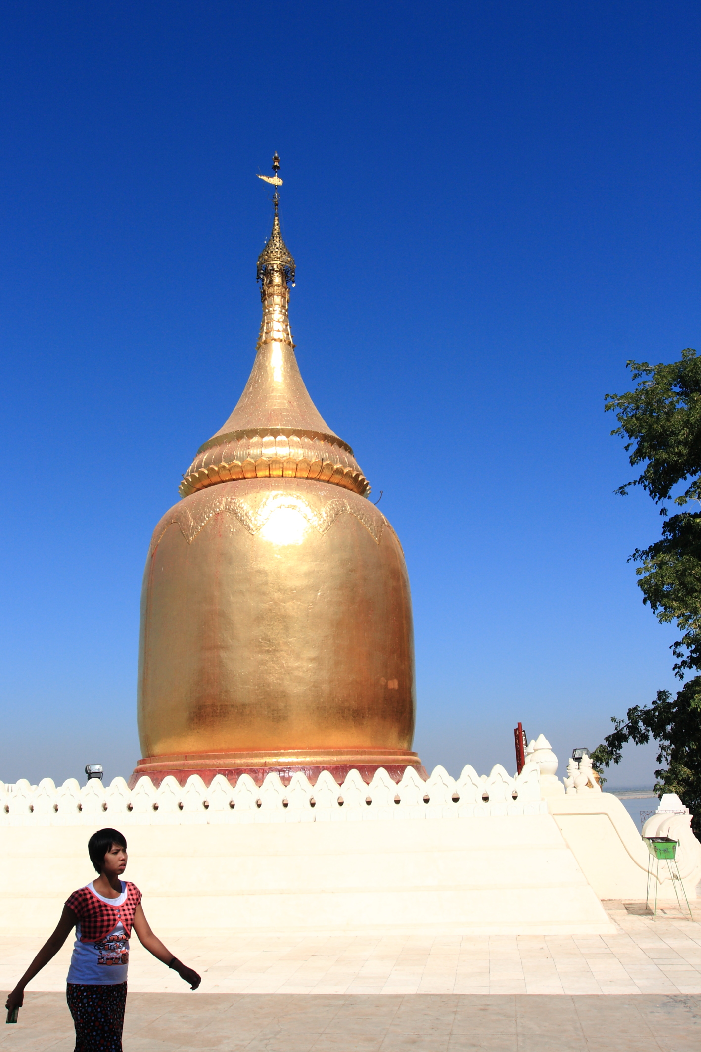 Temples of Bagan. Flickr,  DamienHR