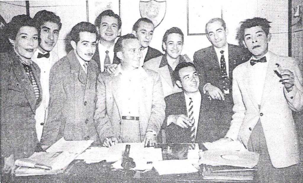 Eloy Alfaro Cadavid Macías -tercero de izquierda a derecha-