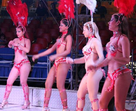 Garotas en el Circo de Ciudad Teatro