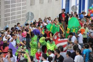 Desfile del Carnaval de abrazos.