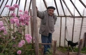 El Presidente de Uruguay José Mujica en su finca - foto tomada de http://jcnosi.blogspot.com/