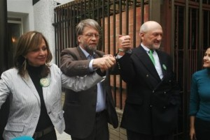 Angélica Robledo, Antanas Mockus y John Sudarsky - foto del Partido Verde