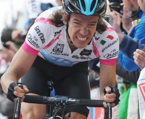 El pedalista colombiano Rigoberto Urán en acción.