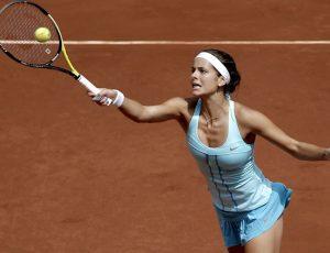 Los tenistas pueden percibir que sus extremidades son más largas pues su cerebro ha adaptado la raqueta como una extensión de sus extremidades.