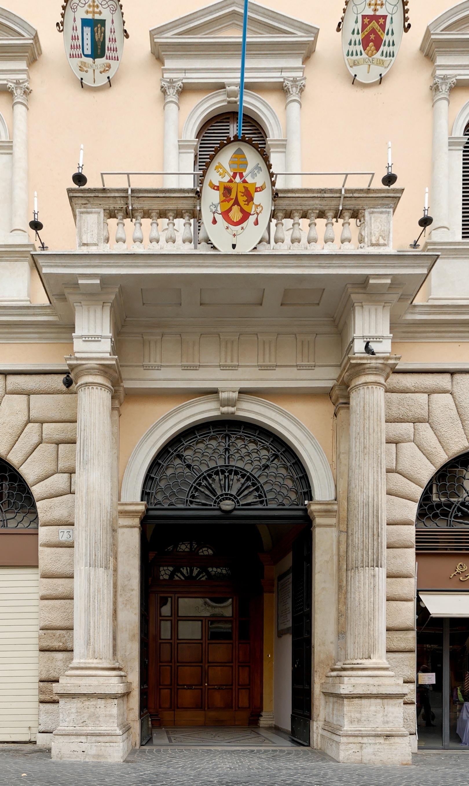 Palazzo_dell_accademia_ecclesiastica_Roma