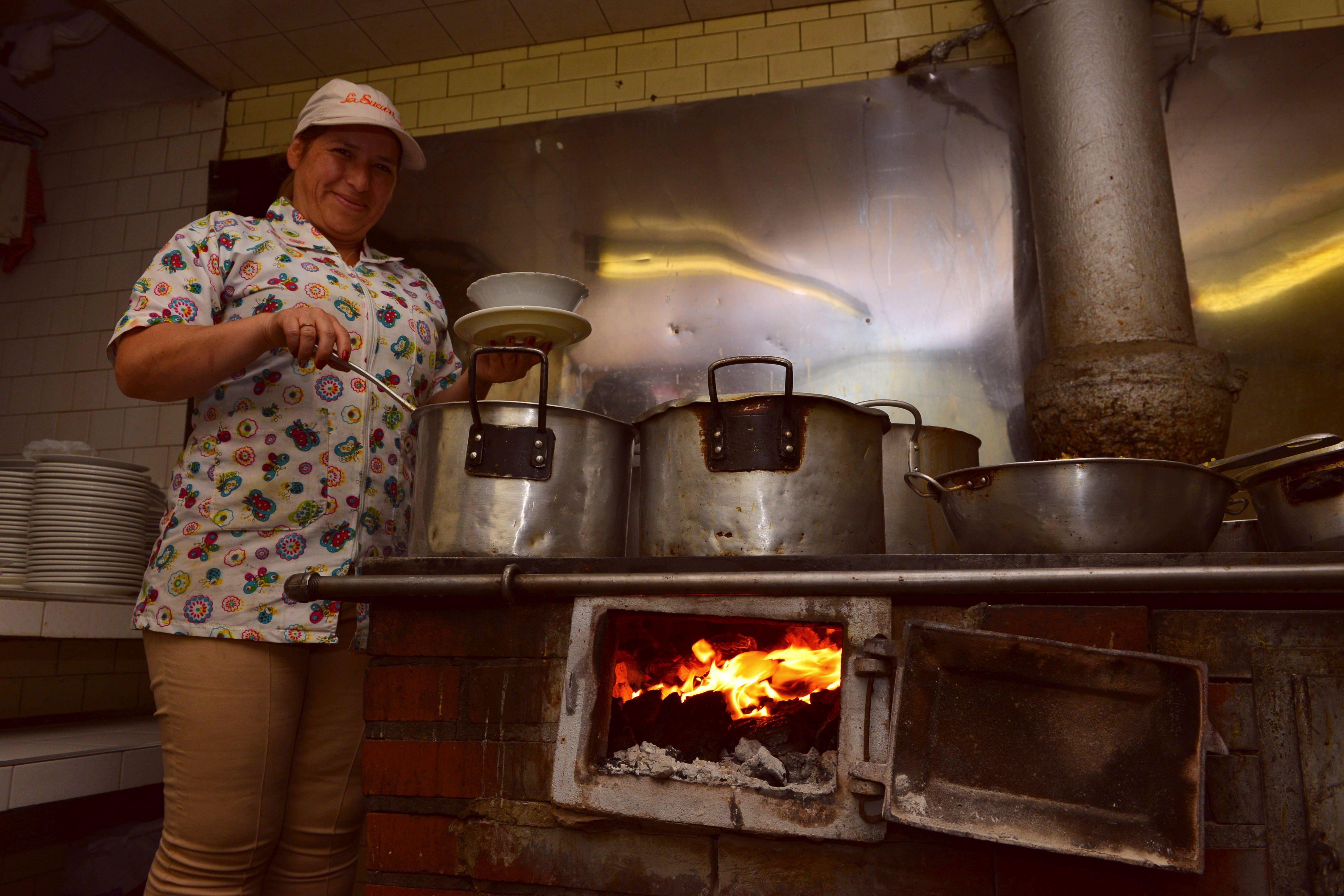La estufa y el horno de carbón, dos de los bienes más preciados de La Sucursal