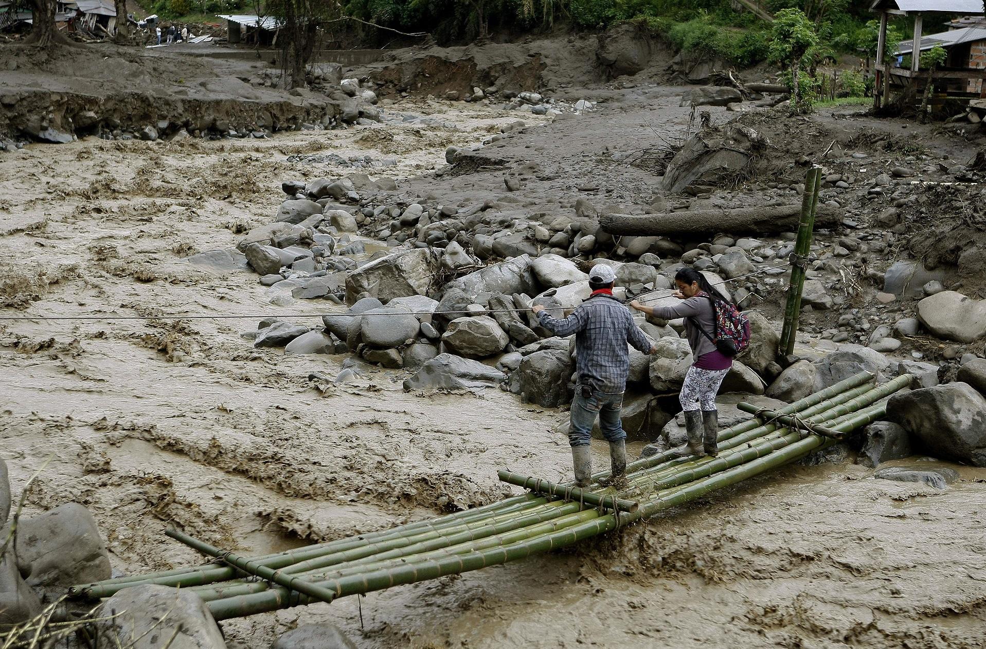 REANUDAN LA BÚSQUEDA DE DESAPARECIDOS EN AVALANCHA EN EL NOROESTE DE COLOMBIA