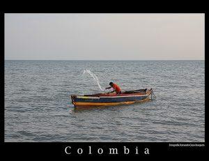 Y sí.... hace más de 50 años lo mismo.... que un muerto de un lado y que un muerto del otro, y a seguir echando el agua sucia en la barca nacional, en esa misma en la que el colombiano raso, inútilmente, intenta achicar el tamaño de nuestra estupidez. Fotografía Fernando Cano Busquets.