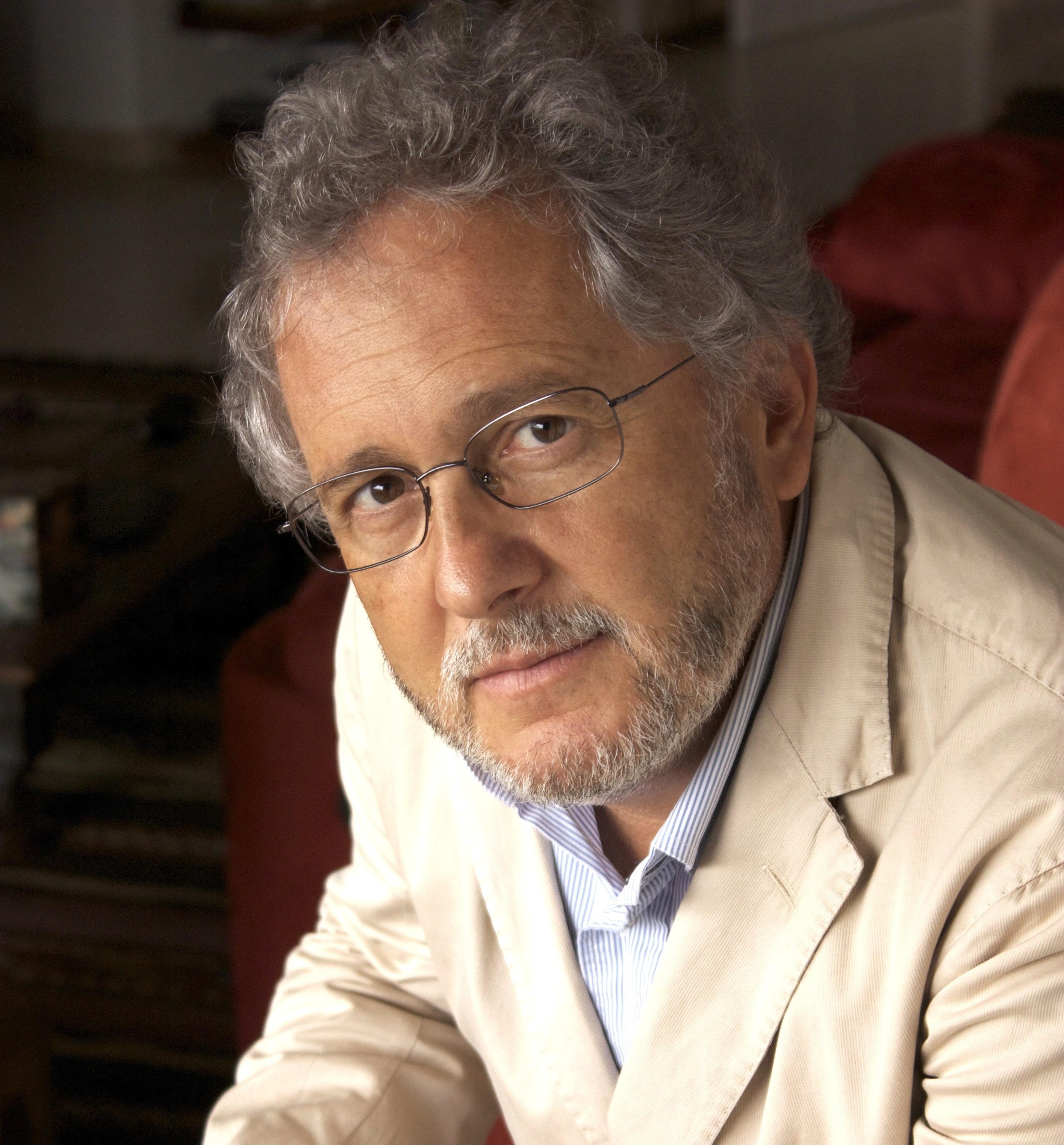 Héctor Abad Faciolince (fotografía tomada de www.hectorabad.com)