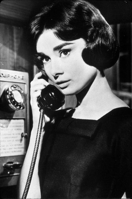 audrey-hepburn-on-the-phone