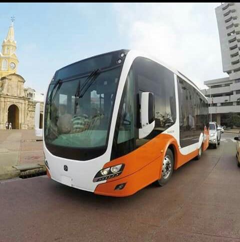 Bus_alimentador_del_SITM_Transcaribe
