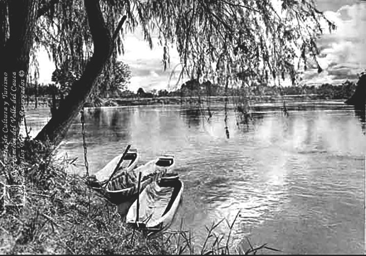 Atracadero de Canoas sobre el río Cauca 1900