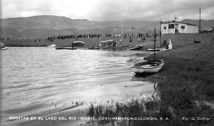 Regatas en el lago del Rio Muña, Cundinamarca (1945) –