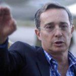 Alvaro-Uribe-Velez-hitler