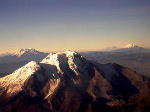 The Cayambe Volcano contains some of the last equatorial glaciers in the world / El Volcán Cayambe cuenta con uno de los últimos glaciares ecuatoriales del mundo