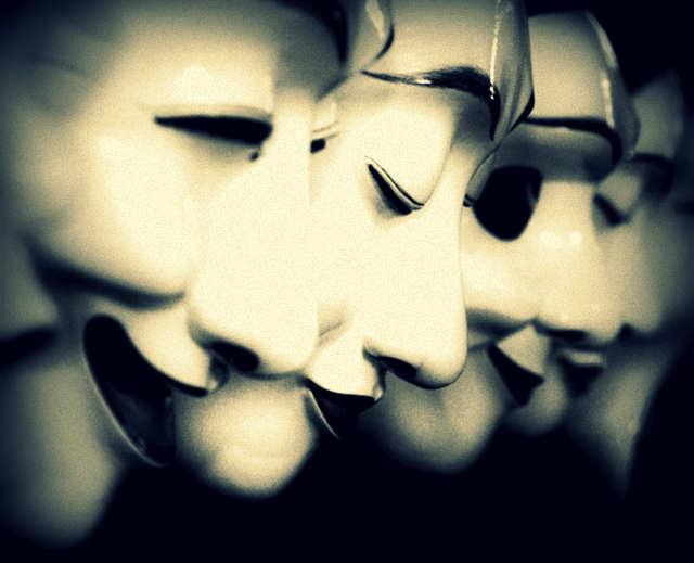 La-verdad-y-la-mentira-en-la-política-por-Fernando-Mires-640