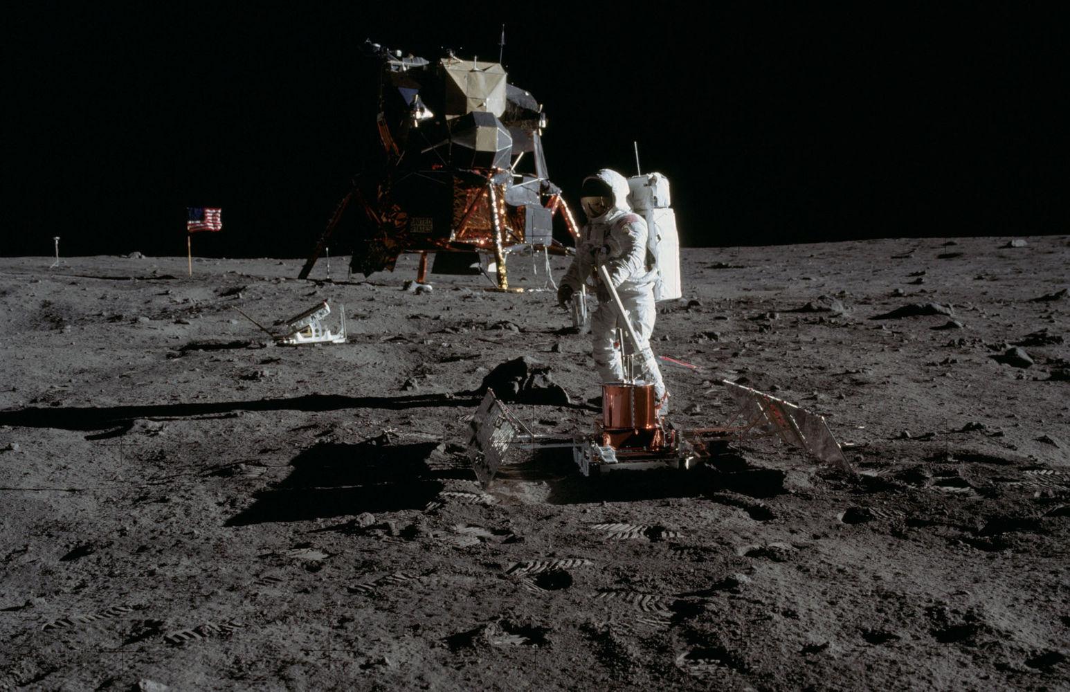 apollo11-moon-landing-july20-1969
