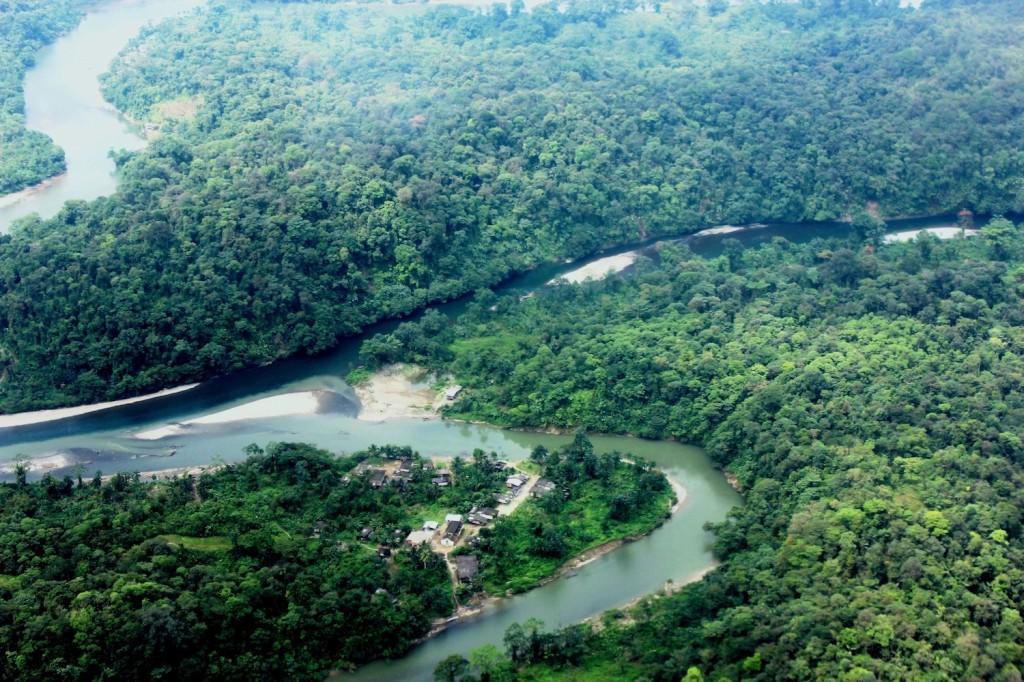 Vista panorámica de la región de Cajambre, en Colombia, donde se desarrolla uno de los proyectos REDD. Foto: Cortesía de Fondo Acción.