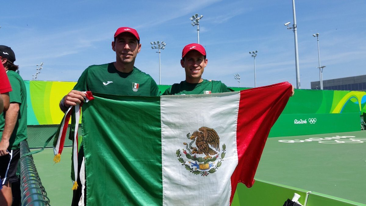 Santiago González y Miguel Ángel Reyes Varela
