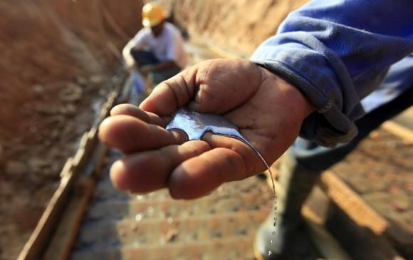 Reportes ya han documentado la existencia de mercurio en los ríos colombianos. Foto: Manuel Saldarriaga/El Colombiano