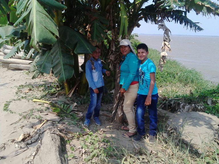 Luz Perla Cardozo es una indígena Pijao que lidera iniciativas para recuperar los bosques en su Resguardo Palma Alta en Tolima.