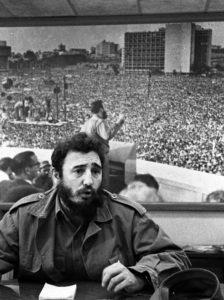 Fidel Castro en rueda de prensa en el Instituto Nacional de la Reforma Agraria, 15 de febrero de 1965. Imagen tomada del sitio cubadebate.cu
