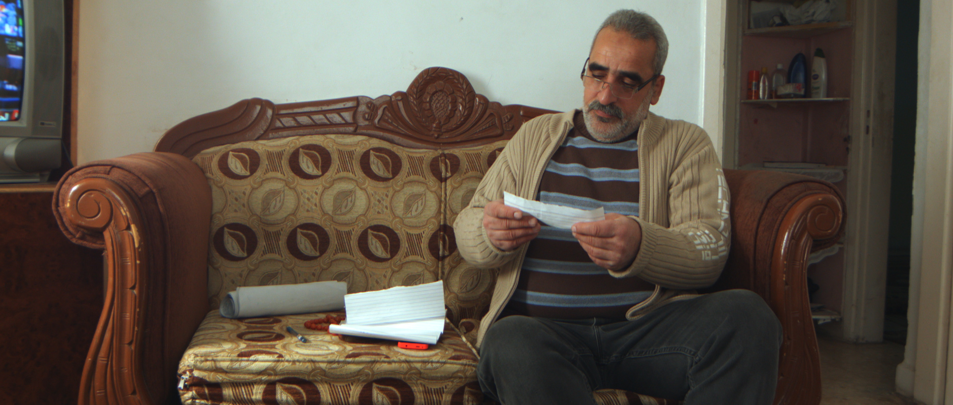 """I was living in Damascus when my house was bombed. We lost our property along with all of our furniture. My mother's and my siblings' houses were destroyed too. What I experienced in Syria has greatly affected my health, and not too long after I arrived in Jordan, I suffered a heart attack."" - Muwaffaq Mreish, 51-year old Syrian patient. On 15 December 2014, MSF launched its non-communicable diseases (NCDs) project in two clinics located in Irbid governorate, near the closed borders with Syria. Both clinics continue to provide free-of-charge quality medical treatment to Syrian refugees and vulnerable Jordanians suffering from chronic diseases, in addition to psychosocial support sessions which were introduced in April 2016."