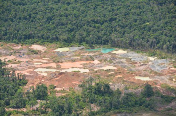 La deforestación es otra de las consecuencias del avance de la minería ilegal en Colombia. Fotografía: WWF-Colombia