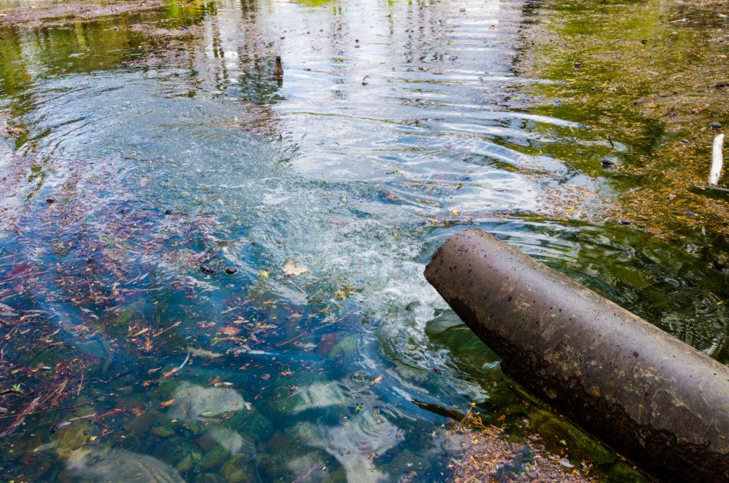 El 80% de las aguas del mundo no son tratadas antes de llegar a los ríos y posteriormente, al mar. / Foto: iStock