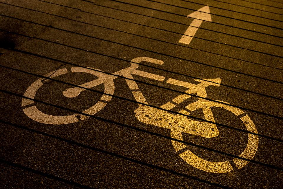 Integrar los diferentes medios de transporte es esencial. Fuente: Pixabay.