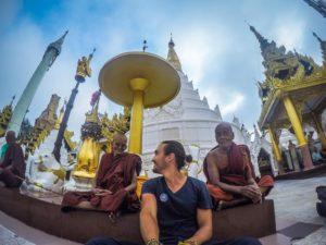Con los monjes en Birmania