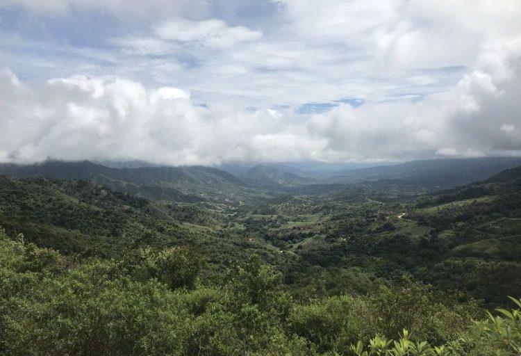 La ecorregión de la Sierra Nevada está delimitada por la 'Línea negra' y encierra, resguardos, tres parques naturales nacionales y 17 municipios en tres departamentos. Foto del Cabildo Kankuamo