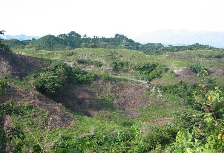 Impacto generado por ganadería en Magdalena Medio. Foto tomada por Guillermo Rico.