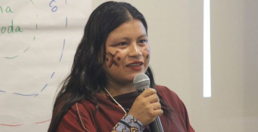 Diana Ríos, líder asháninka de la comunidad Alto Tamaya Saweto en la región Ucayali. Foto de Lorena Flores Agüero