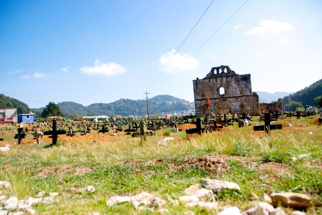"""San Cristóbal de las Casas, Chiapas. Foto de CarlosVanVegas. """"San Cristóbal de las Casas - Chamula"""" by CarlosVanVegas is licensed under CC BY 2.0"""