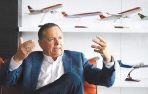 Lidera el cambio estructural de la compañía. Dice que ahora Avianca es una empresa digital que vuela aviones.