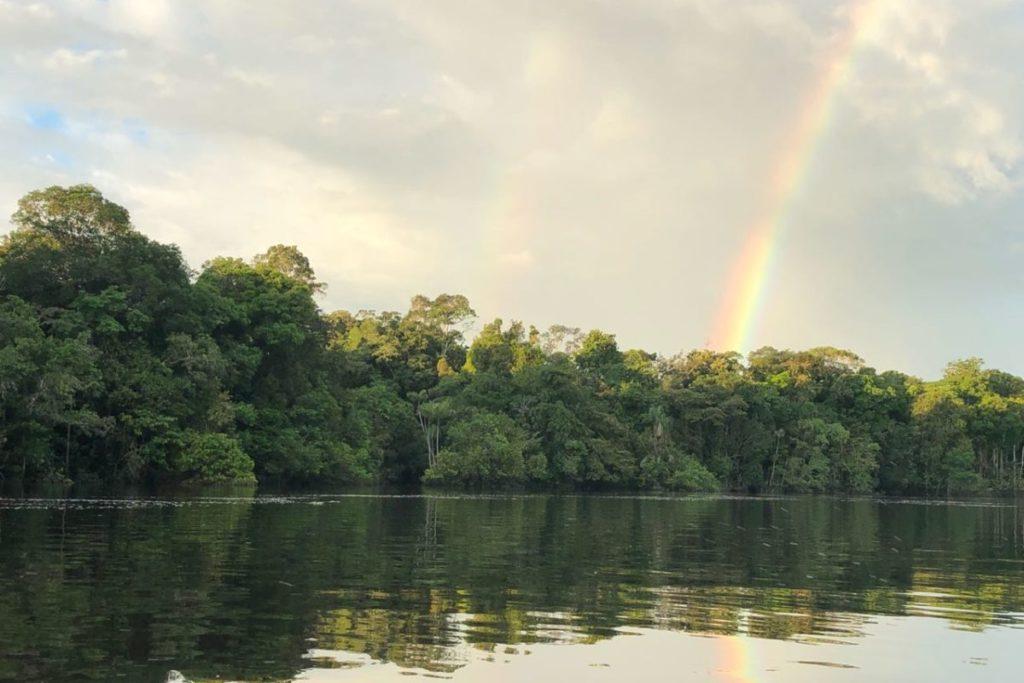 Los pueblos indígenas fueron los que, en 2009, pidieron que su resguardo fuera también un Parque Nacional. Son ellos los que hoy ayudan en las labores de monitoreo y vigilancia y realizan sugerencias desde su saber ancestral. Foto: Parques Nacionales Naturales de Colombia.
