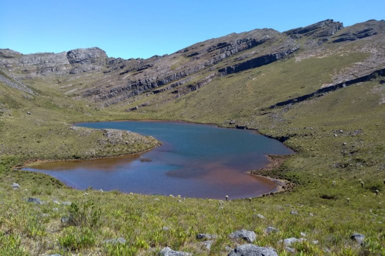 Lagunas como esta son típicas en los ecosistemas de páramo. Foto: Corpoboyacá.