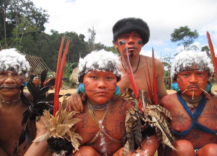 Los Yanomami se han visto diezmados por la reciente epidemia de sarampión que ataca a Venezuela. Foto: Grupo de Trabajo Socioambiental de la Amazonía Wataniba.