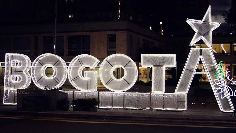 Bogotá celebra su ciclovía nocturna de navidad