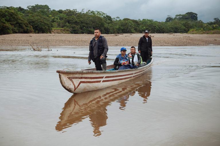 El río Putumayo es el paso entre las comunidades Siona de San José de Wisuyá (Ecuador) y Buenavista (Colombia). Foto: Amazon Frontlines.