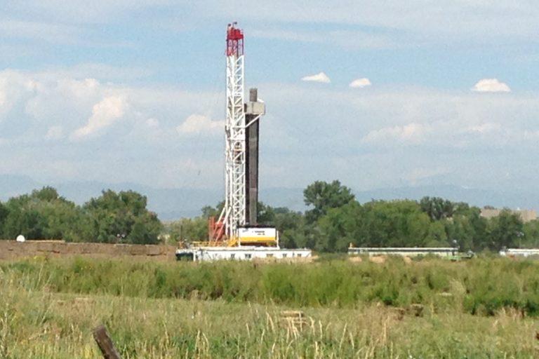 Sitio de fracking en Colorado, Estados Unidos. Foto: Phoenix Law en Flickr.