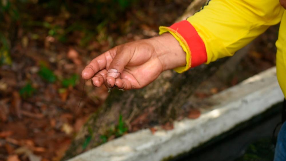 Las comunidades aseguran que el agua está contaminada.Foto: Álvaro Avendaño.