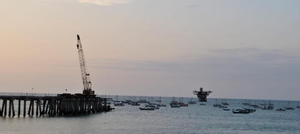Plataforma de SAVIA Perú, frente a la costa de Cabo Blanco, lote Z2B. Foto: Karen de la Torre