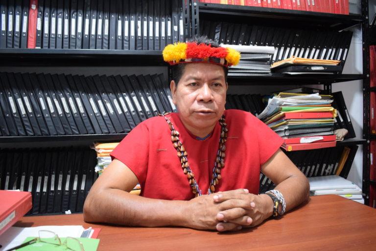 Humberto Piaguaje es el dirigente de Justicia y Derecho de la nacionalidad Siekopai. Fotografía de José María León para Mongabay Latam.