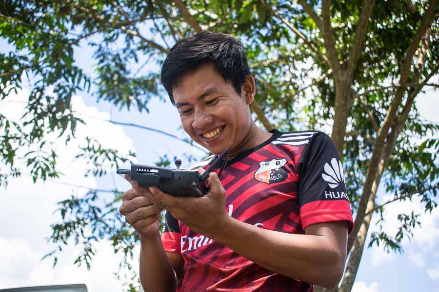 John Piaguaje es uno de los monitores de la comunidad San Pablo, la sede principal de la nacionalidad Siekopai. Fotografía de José María León para Mongabay Latam.