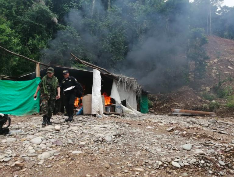 Imágenes de operativo desplegado la semana pasada en el sector de Santa Isidora. Foto: FEMA Madre de Dios.